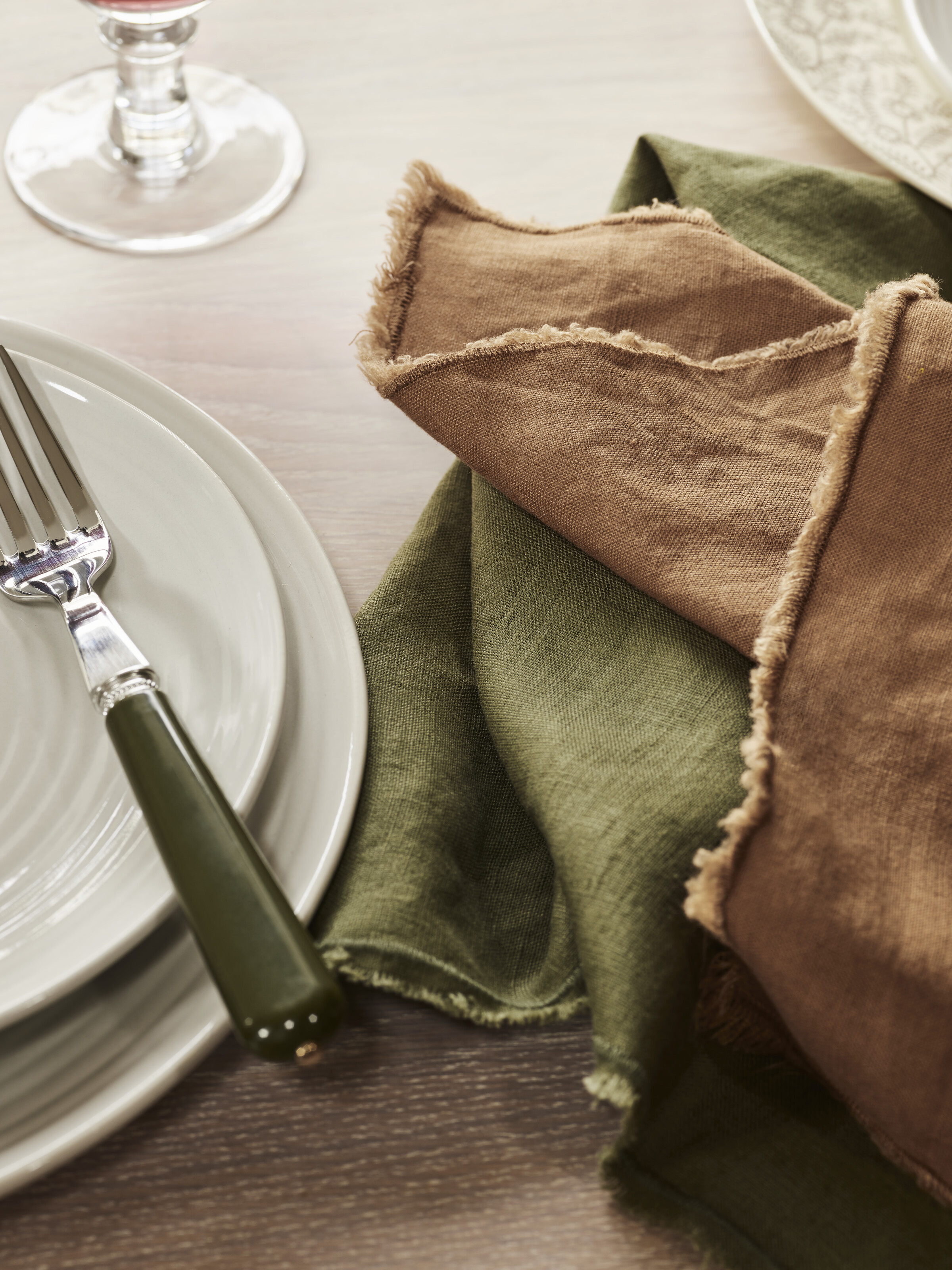 Olive tablescape with Antonia napkins