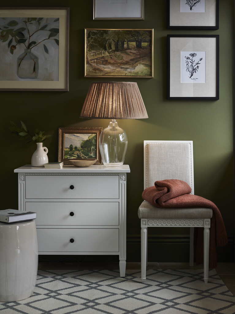 Olive hallway with Larsson chest of drawers