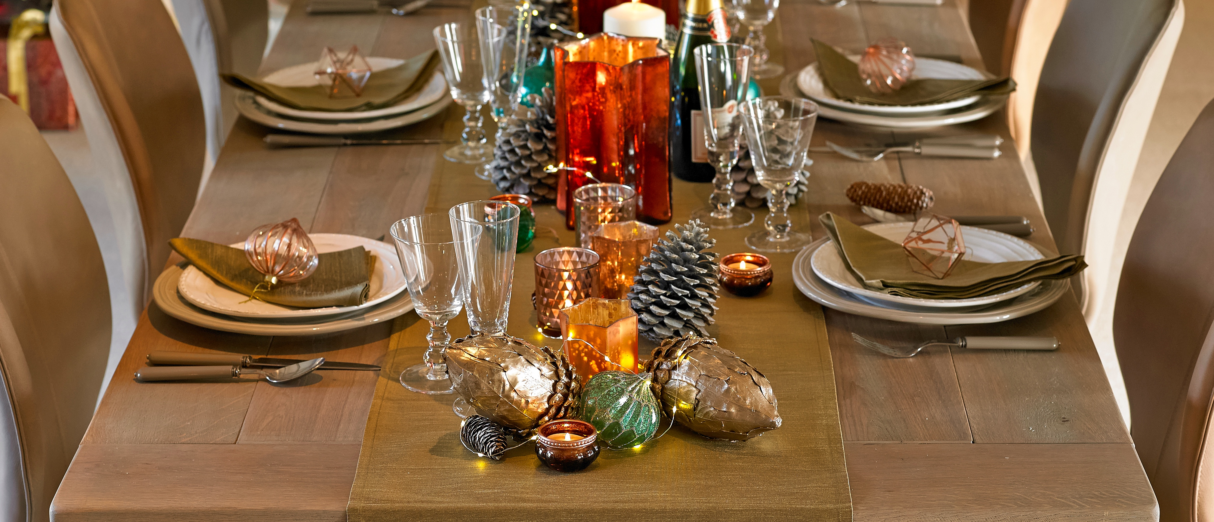 Metro tablescape Christmas